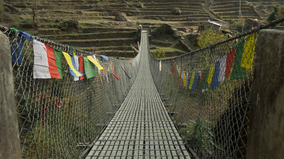 Crossing the Chomrong Khola on the way to Bamboo