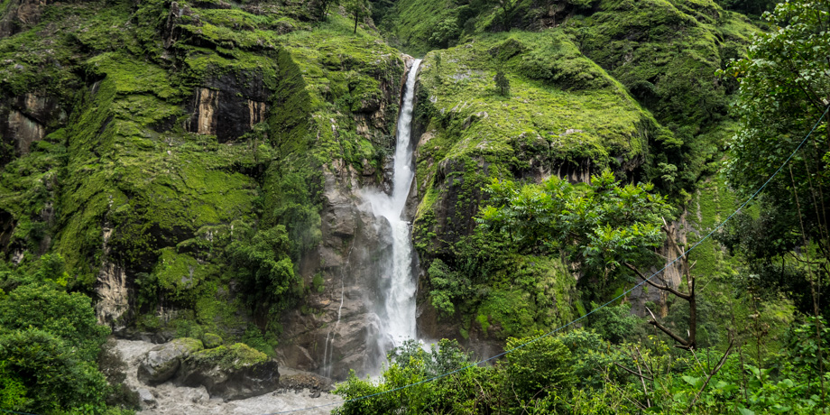 Waterfalls on the way to Tal