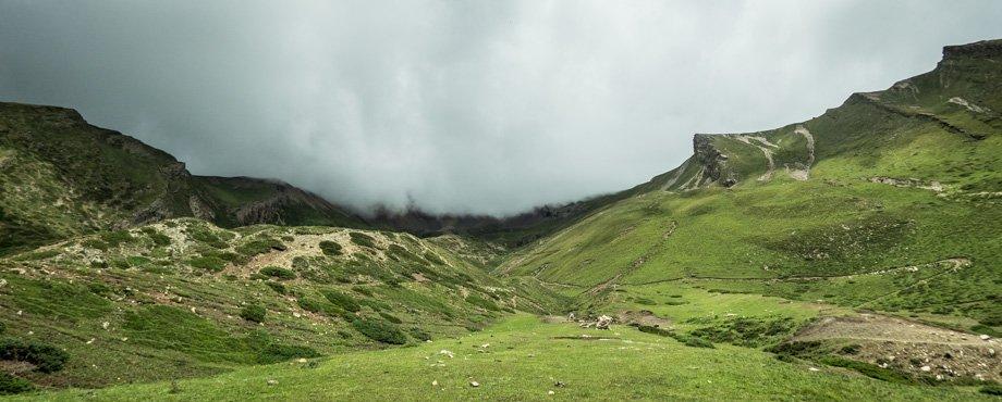 The trail to Kang La Pass