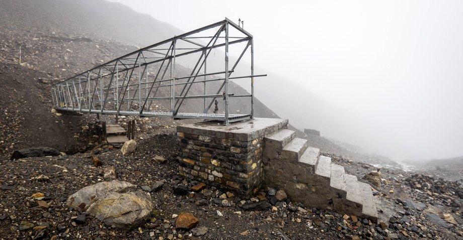 Thorong la cage bridge